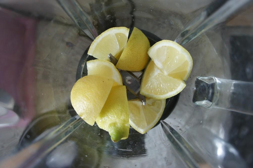 Zitronen im Mixer